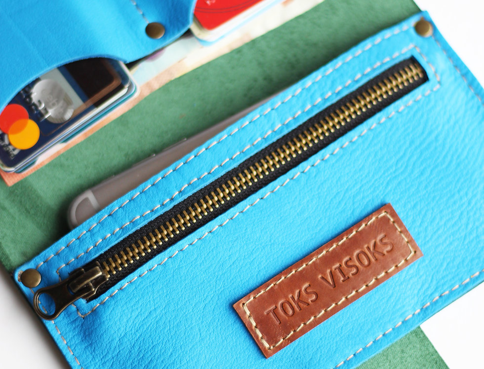 MONDAY WALLET IN GREEN AND BLUE