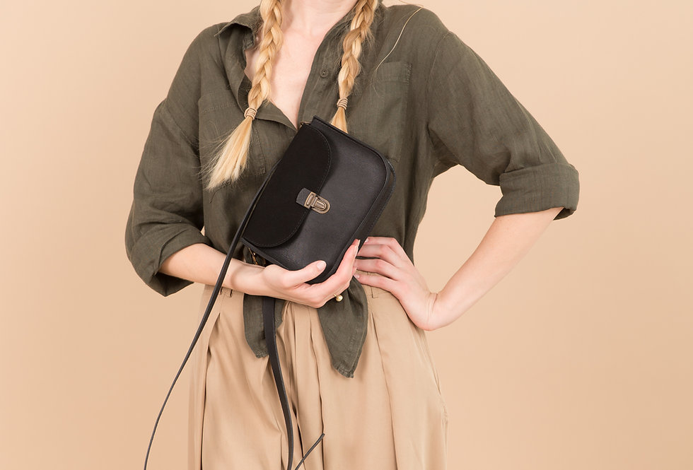 NICO PURSE IN BLACK AND SUEDE