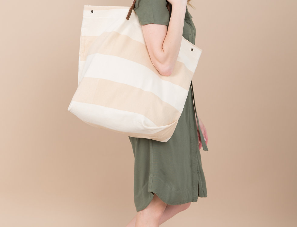 Leona oversize beach bag in stripes with leather handles