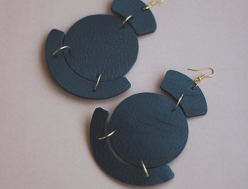 Oversize leather earrings in black