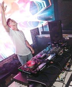 DJ AEROS