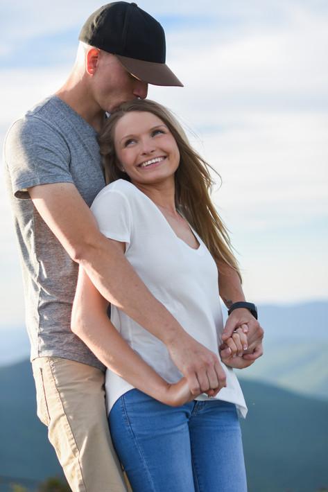couple-engagment-mountain-top