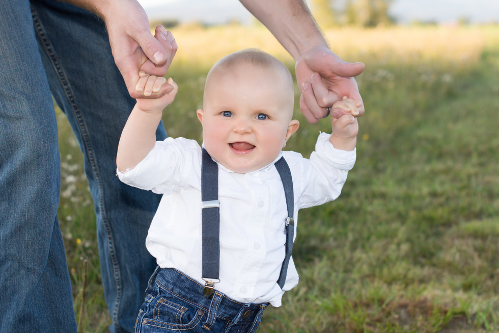 baby-father-son-family-portriat-smile-baby