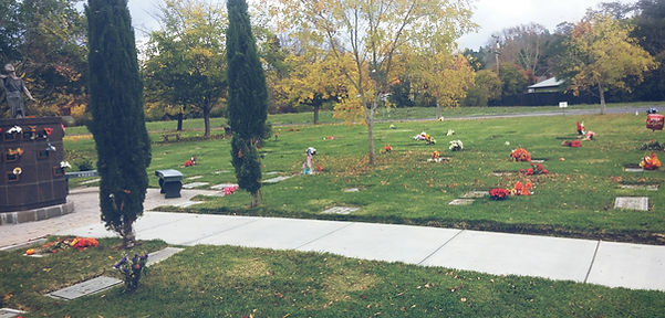 Fountain View South urn plots