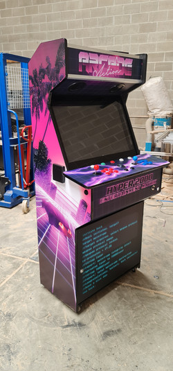 80's vaporwave arcade
