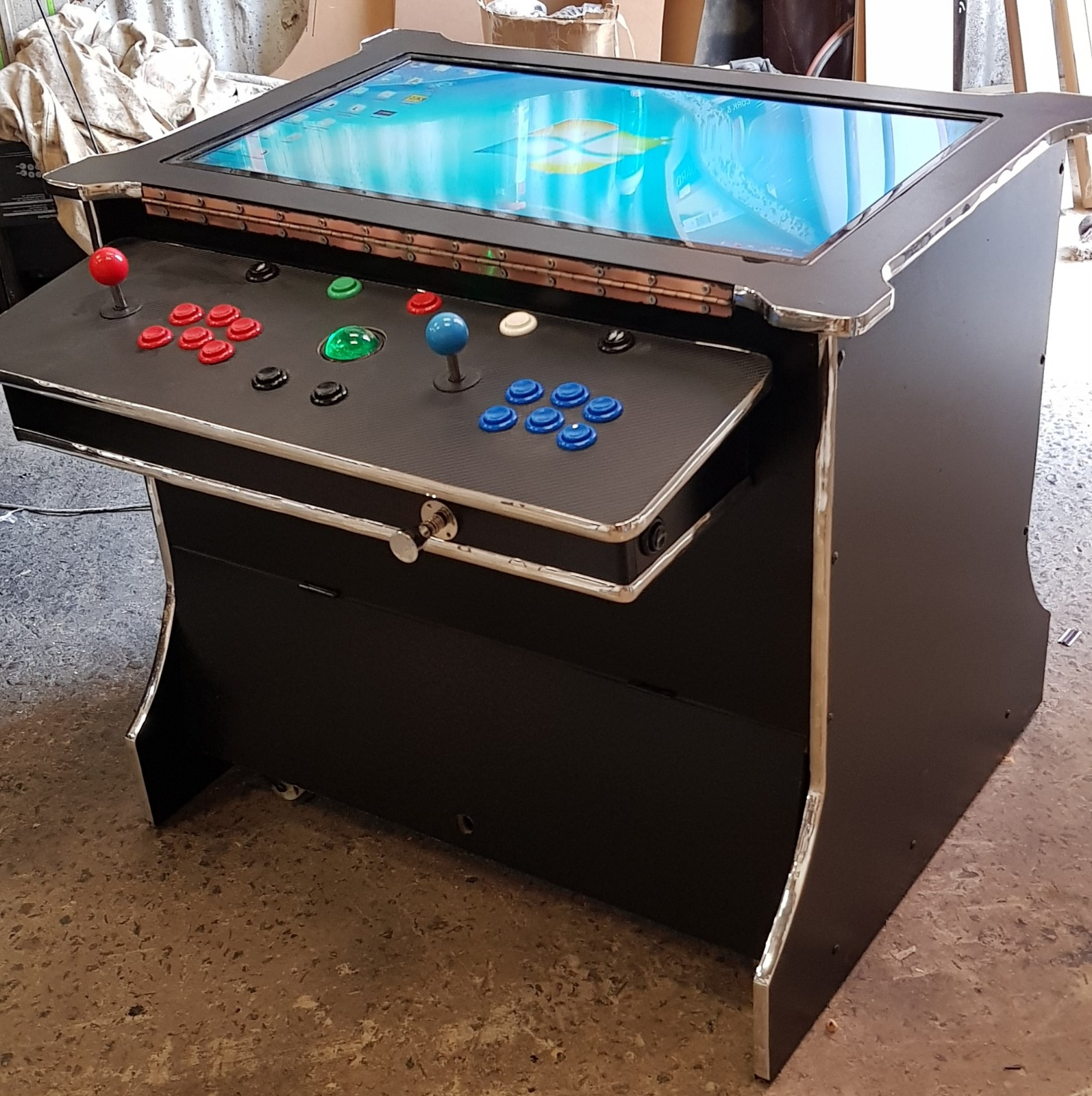 Coffee table arcade