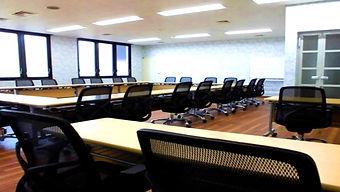 第3会議室囲み配置.jpg