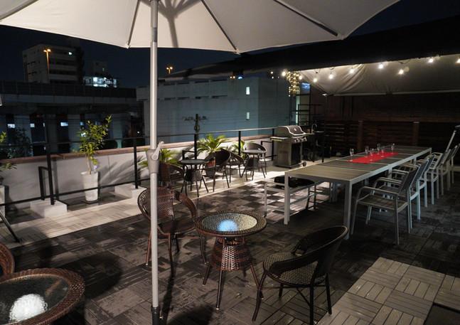 バーベキュー場夜外側からのアングル.jpg