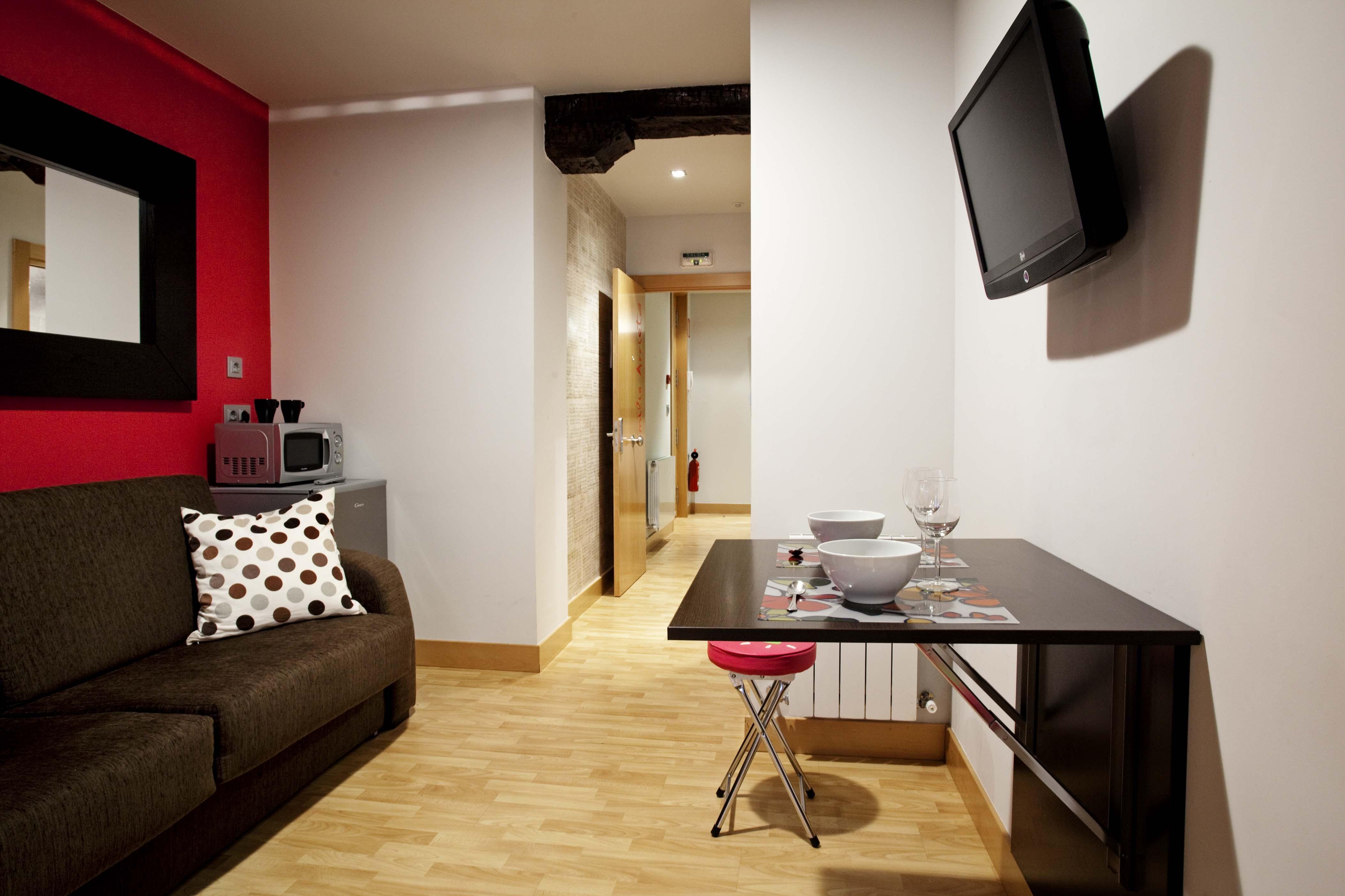 2010-11-03 Arriaga suites98