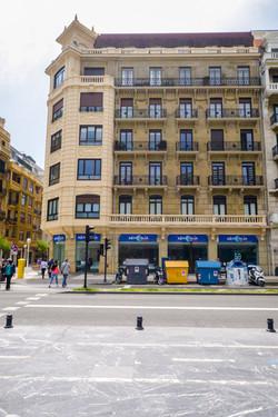 Fachada-calle Frente al kursaal