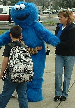 Cookie Monster helps out!