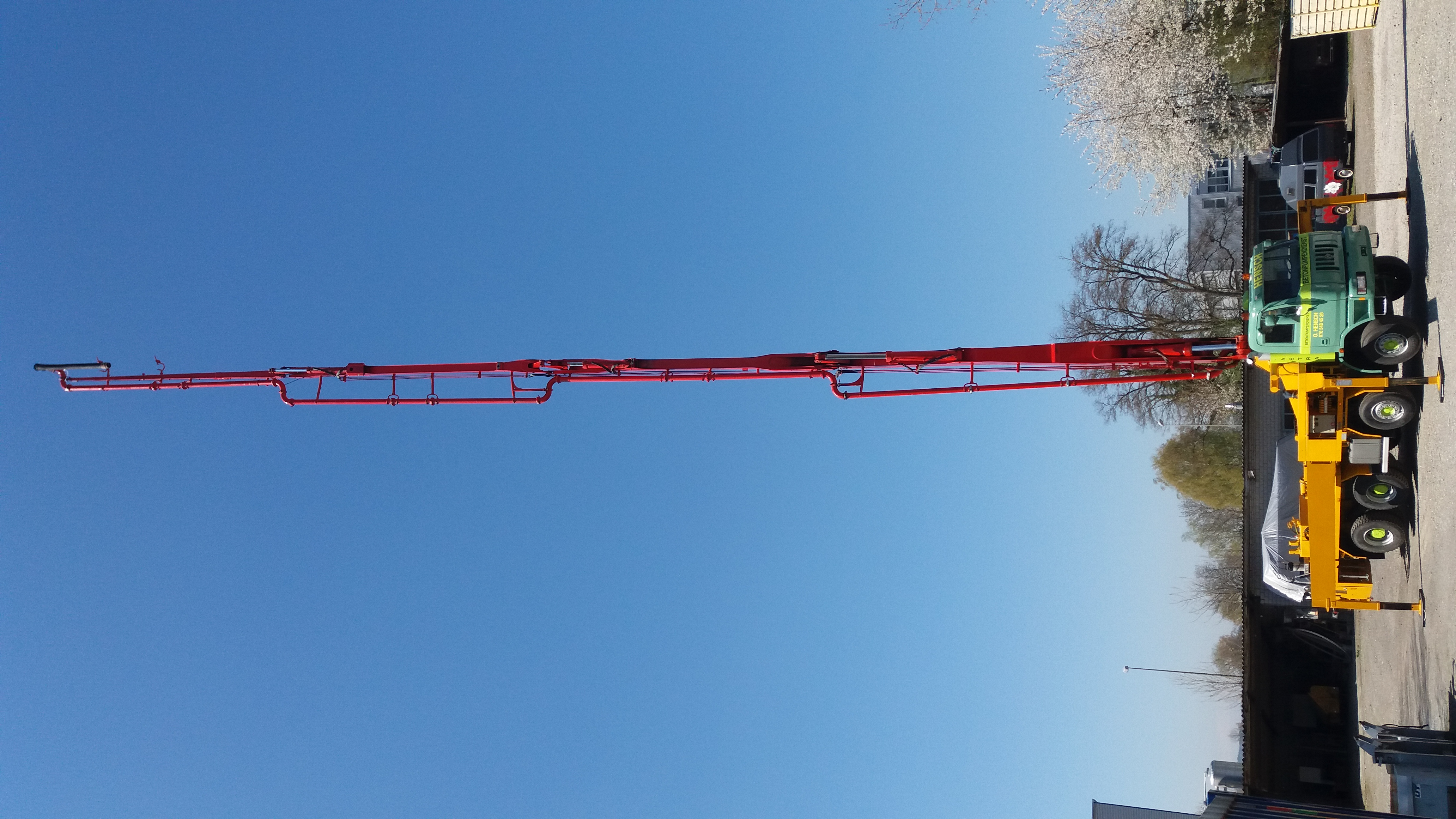 Betonpumpe Mast vertikal