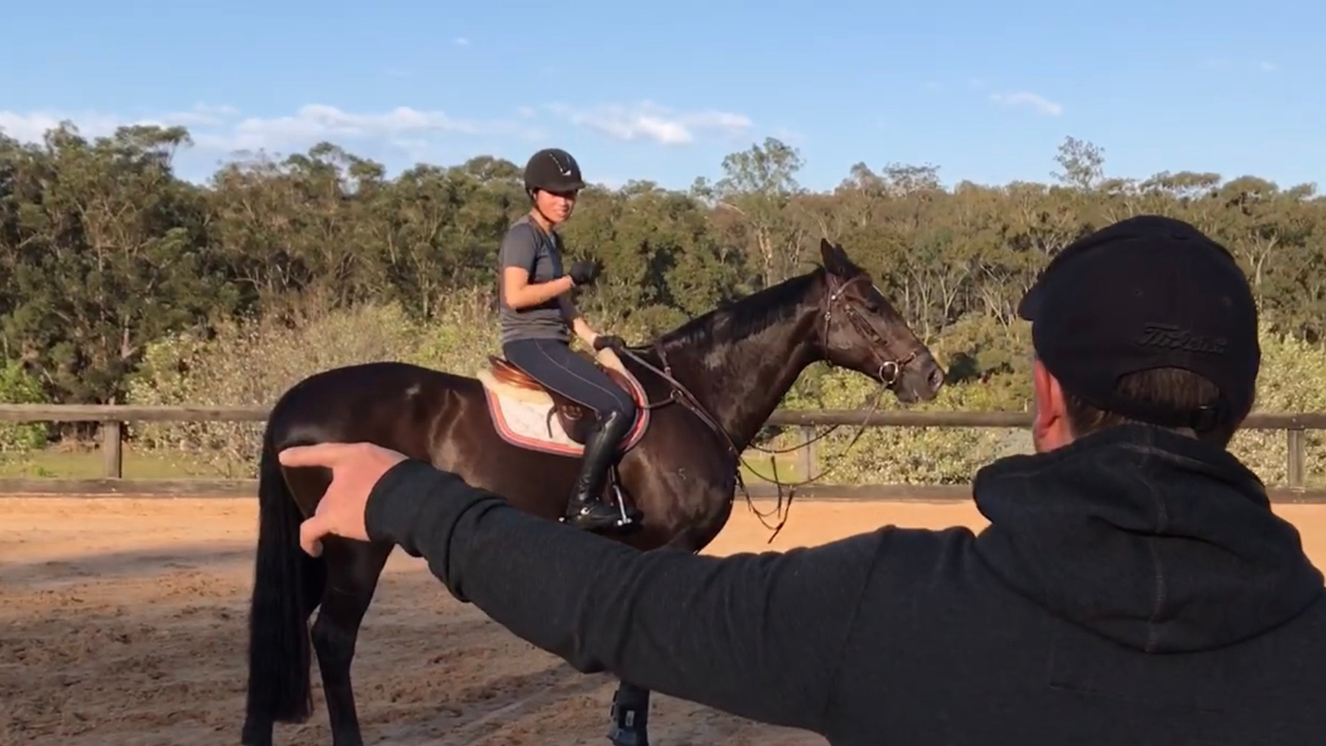 Alyssa Ho and Bounce (Equador MVNZ) in a lesson with James