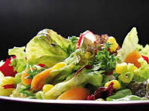 Marktsalat mit Haussauce