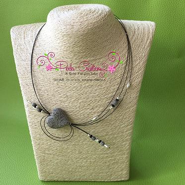 Collier coeur en pierre