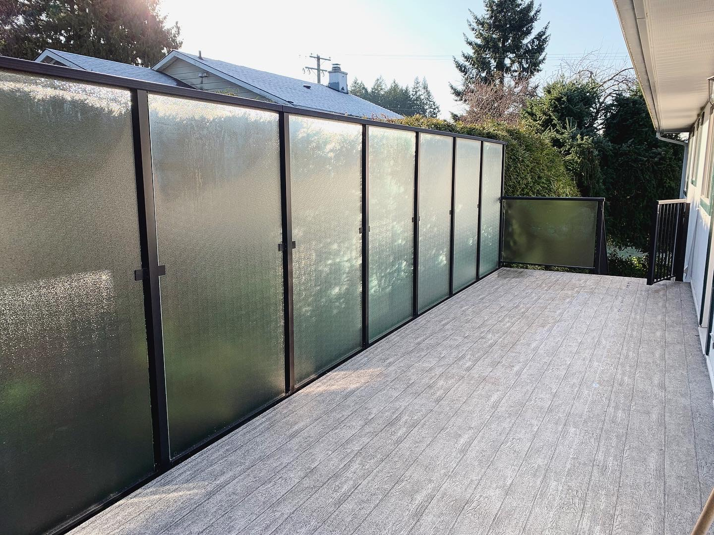 6' Sidemount Welded Glass Privacy Rail