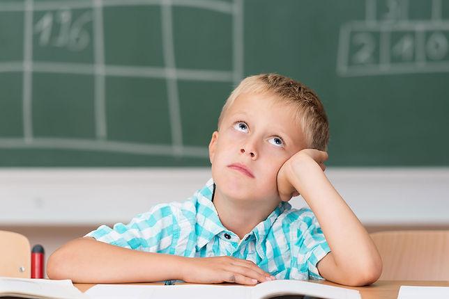 Junge in der Schule © contrastwerkstatt/stock.adobe.com