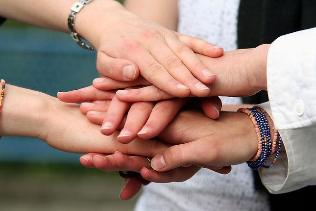 Hände © Gautier Willaume/stock.adobe.com