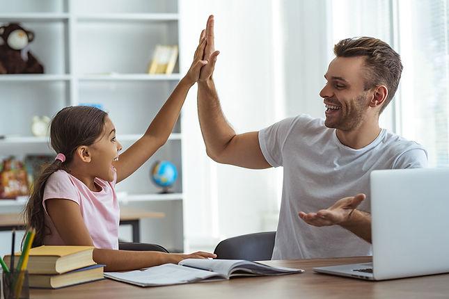Tochter mit Vater © Artem/stock.adobe.com