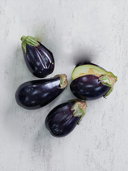 Eggplant Purple Round (มะเขือม่วงก้านเขียว)