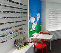Kinder, Kinderecke, Kinderbrillen, Kindersonnenbrillen, Julbo, Ray Ban, Na Und, Kinto, Nike, Kuscheltiere, Leseecke,