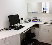 Service, Pc-Arbeitsplatz, Arbeitsplatzoptometrie, Höhenverstellbarer Tisch, Bildschirm Brillen, Büro Brillen, Hobby Brillen,