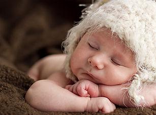 Newborn Baby Sleeping - Best Newborn Photogrphy in Dubai