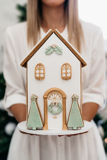modern-gingerbread-house.jpg