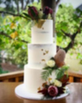 3 Tier Buttcream Wedding Cake with Natives