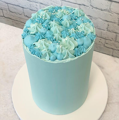 bluebuttercreamcake.JPG