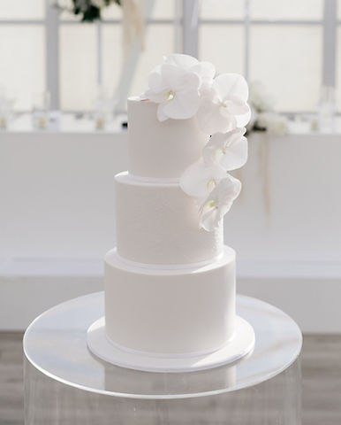 white-on-white-wedding-cake.JPG