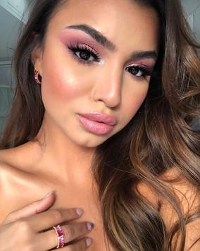 Valentines Day inspired Makeup look crea