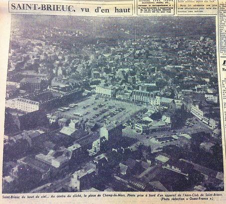 1957 - vue du champ de mars.JPG