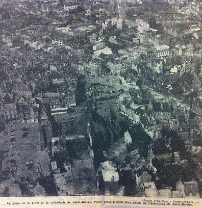 1957_-_place_de_la_grille_recadré.JPG