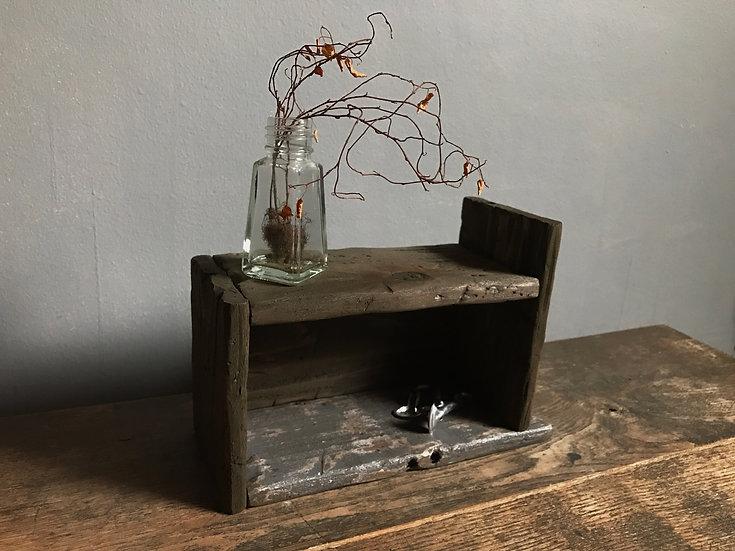 灰色と木製のおしゃれなアレンジ木箱