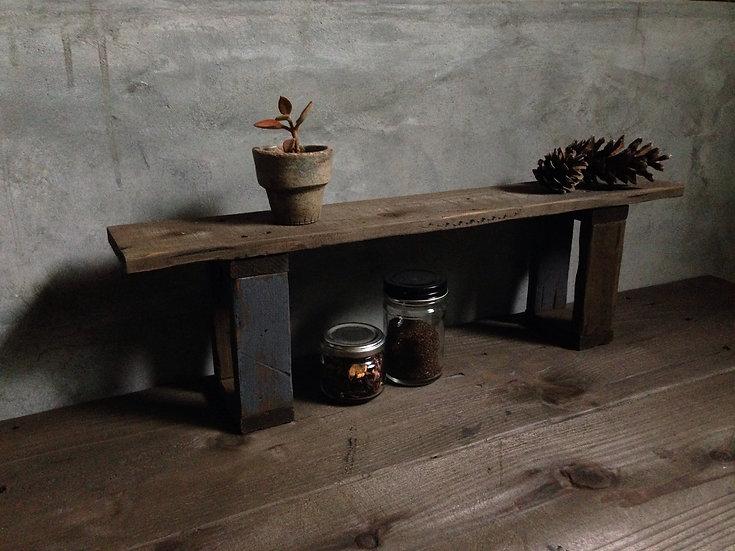 グレーとダークブラウンの木製棚