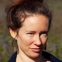 Rebekka Ettlin Akupunktur Pflanzenheilkunde Alternativmedizin