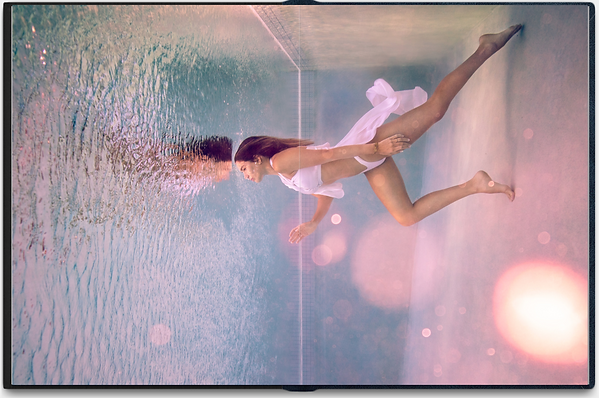 Underwater woman photo in the pool 4