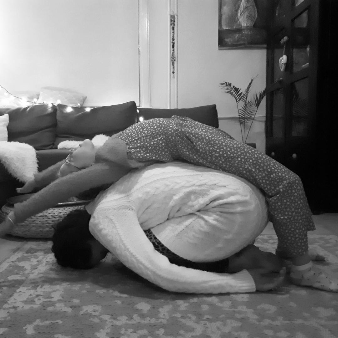 Yoga Zarah_childpose.jpg