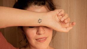 5 façons de porter le tatouage berbère