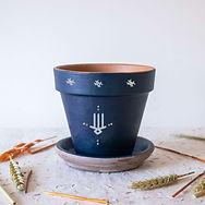 Pot-bleu-main.jpg