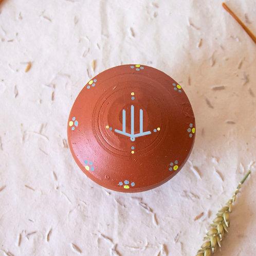 Boîte à bijoux TIZA personnalisée rouge - main