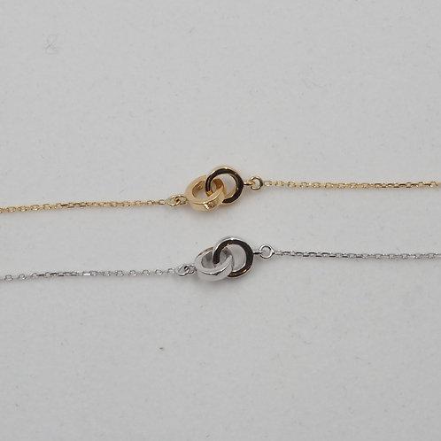Bracelet motif anneaux enlacés