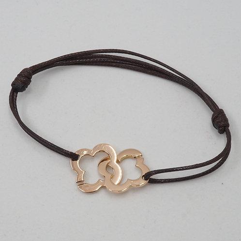 Bracelet motif trèfle sur cordon