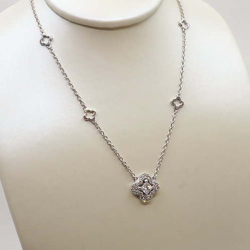 Pendentif trèfle diamants