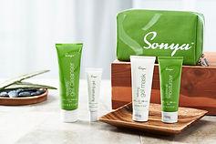 Sonya_Group_with bag-L.jpg