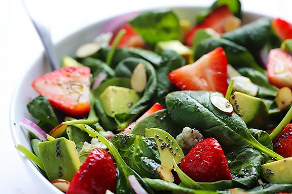 Salade de bébés épinards ( accompagnement à la dinde rôtie)