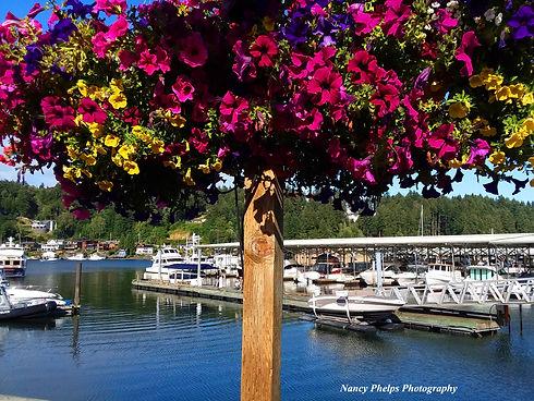 FlowerPostwithboats.jpg