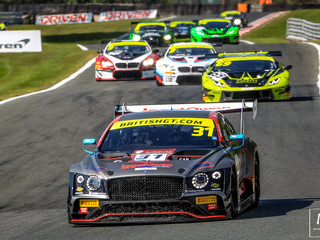 A PHENOMENAL BATTLE BY JRM RACING CLOSES THEIR BRITISH GT CHAMPIONSHIP SEASON