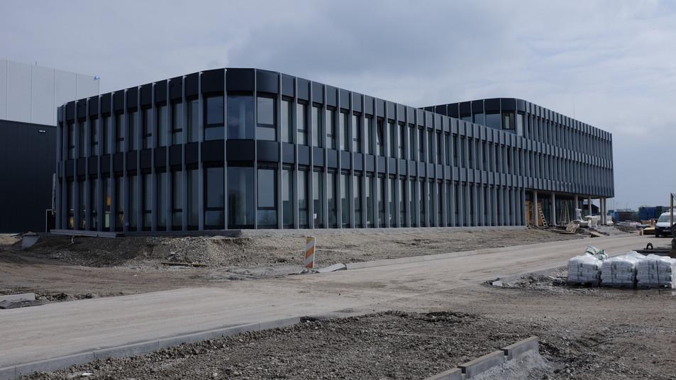 Bürogebäude mit Hochregallager Buchloe